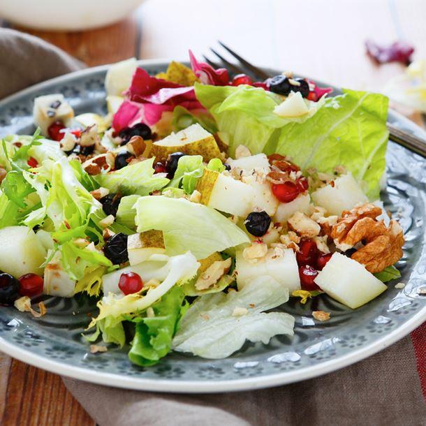 i115180-salade-de-poires-citronnees-a-l-huile-de-noix